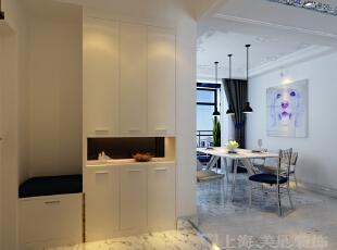 中豪汇景湾装修三室两厅案例效果图,门厅的光面地板砖设计更具贴心。,158平,12万,欧式,三居,玄关,白色,