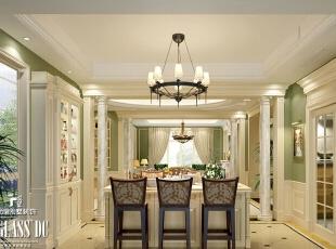 """使用自制木质台面制成的吧台,营造出一种浪漫、温馨的感受。也起到分割客厅空间的作用,配合比邻的""""爵士餐吧椅"""",使场景更加富有层次感,并且制造出美式乡村别样的小餐吧。,550.0平,72.0万,美式,别墅,餐厅,青绿色,白色,"""