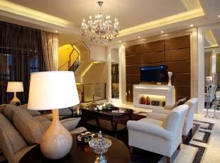 欧式风格客厅,别墅装修风格,别墅欧式风格,欧式风格案例,北京别墅装修设计,别墅装修设计,客厅,棕色,黄白,