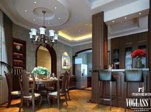 餐厅靠窗设计,餐桌椅同样采用色彩厚重的实木材质,仿古地砖更是给别墅装修增添一丝历史文化气息。餐厅旁边设计了一个小的酒吧台,彰显出主人随性的生活方式。,350平,200万,美式,别墅,