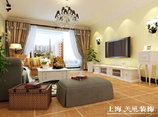 瀚宇天悦142平方四室两厅客厅装修效果图---电视背景墙是以简洁的暖色乳胶漆饰面,配上舒适的美式家具,简洁、大方。,142平,12万,美式,四居,客厅,黄色,