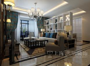 方圆经纬142平四室两厅装修简约时尚效果图集锦——客厅全景效果图,米色的沙发、蓝色的抱枕既清亮又朦胧的感觉,颇具亲和力,暖色的墙壁与清新的窗帘为空间注入了大胆活泼的气息。,142平,10万,简约,四居,方圆经纬装修,美巢装饰,装修装饰,装修优惠,装修团装,客厅,白色,