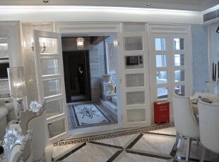 过道门片,设计了经典的法式门结构加上现代的哑光烤漆,古今感很棒。,120平,17万,现代,一居,餐厅,白色,