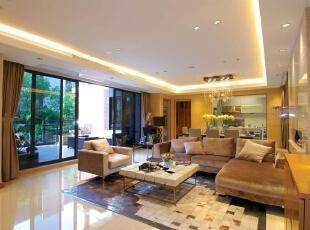 加上竖线条灯光的勾勒,让整面电视背景墙看上去具有设计感,392平,45万,现代,别墅,客厅,黄色,