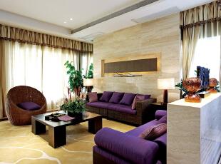 """北京别墅装修设计—客厅 客厅直线装饰在空间中的使用,不仅反映出现代人追求简单生活的居住要求,更迎合了中式家具追求内敛、质朴的设计风格,使""""新中式""""更加实用、更富现代感,195平,32万,中式,别墅,客厅,紫色,黄色,绿色,白色,"""