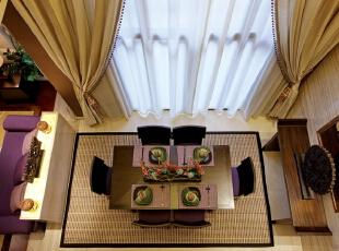北京别墅装修设计—餐厅 餐厅是家居生活的心脏,不仅要美观,更重要的实用性,整体性。以简洁明快为主调 朴实的中式餐桌椅非常的家常,带着一份对家的眷恋和依赖,195平,32万,中式,别墅,餐厅,绿色,紫色,黑白,黄色,