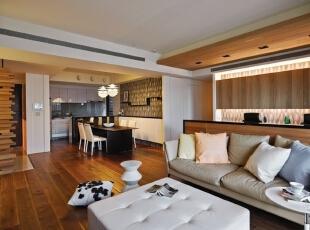 国际城四期-现代三居-【夏天避暑必备】超个性木质架构的混搭风情三居室实景照片