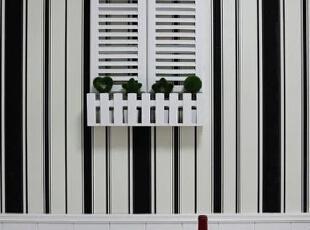 餐厅设计    设计重点:背景墙装饰   餐厅的墙面用小窗台进行装饰,是不是有点温馨,有点小浪漫呢?,80平,68000万,简约,两居,餐厅,黑白,