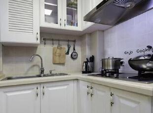 厨房设计    设计重点:整体橱柜  整体橱柜不在厨房面积大小,小面积厨房照样可以装修成整体橱柜,美观又实用。,80平,68000万,简约,两居,厨房,黑白,