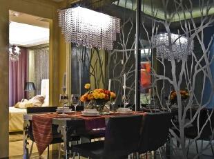 北京别墅装修设计—餐厅 餐厅是家居生活的心脏,不仅要美观,更重要的实用性,整体性。在经济、实用、舒适的同时,体现一定的文化品味。 水晶吊灯 树木的艺术玻璃,165平,28万,现代,四居,餐厅,黑白,黄色,绿色,