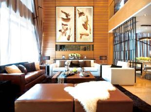 北京别墅装修设计—客厅 客厅主要是会客的地方 设计以简单 由皮质的沙发与布艺沙发所搭配 整个沙发背景用的是暖色调 温馨倍增,300平,38万,现代,别墅,客厅,黄色,黑白,绿色,