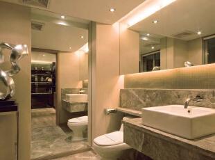 北京别墅装修设计—卫生间 卫生间设计主要讲究方便适用,给人一种简单整洁的感觉。给人一种简单整洁高雅的感觉。在色调上比较统一,没有太过花哨。清新柔和。,300平,38万,现代,别墅,卫生间,黄色,黑白,