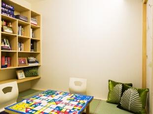 12 和房: 业主喜静,偶尔有二三知己登门小聚。因此我们设计了一间简易和房,兼具书房和娱乐功能。墙面的留白是为业主的创造力考虑,根据经验,业主通常会在入住后自行增添心仪的饰件,因此空间不宜太满。,100平,80万,混搭,三居,书房,现代,日式,原木色,绿色,
