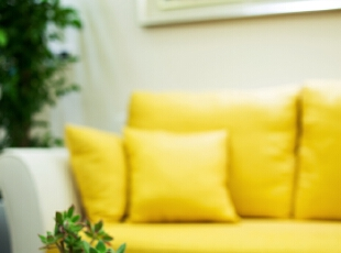 14创意多肉小品: 深蓝空间还为业主设计了多件创意小品, 例如这件多肉植物组。仿不锈钢表面的陶瓷容器,优点在于色泽百搭而随处可用。它在书架、在餐桌、在边几、在台盆侧 。。它在哪里,生机就在哪里。,100平,80万,混搭,三居,客厅,现代,小资,白色,黄色,绿色,