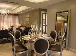 餐厅:墙面简洁的造型平添几许生活气息。斜顶圆形造型和家具相呼应,在绿色植物的点缀下,带给你和家人人舒适的谈话空间。,194平,20万,欧式,三居,餐厅,原木色,黄色,