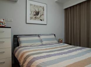 卧室设计效果图 室内自然光或灯光照明设计在功能上要满足人们多种活动的需要,而且还要重视空间的照明效果。,95平,7万,混搭,两居,