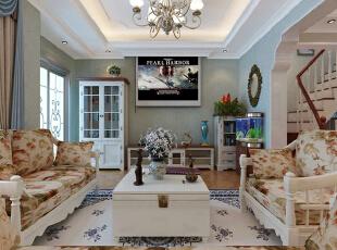 这一客厅中电视柜区域则以白色组合柜来呈现,墙面上的铜镜则让客厅多了一份复古韵味。,280平,35万,田园,别墅,