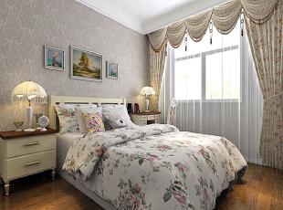 卧室内暗花纹理的墙纸与碎花床品与窗帘相结合,让这间卧室中充满了自然的田园气息,优雅的床头灯也为这间卧室增色不少。,280平,35万,田园,别墅,