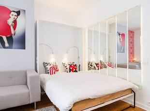 再来近距离地观察一下这个轻巧的壁床,木制床架搭配白色床品,简约中透着一股时尚清新范儿,轻便的设计也利于移动。,30平,2万,现代,一居,