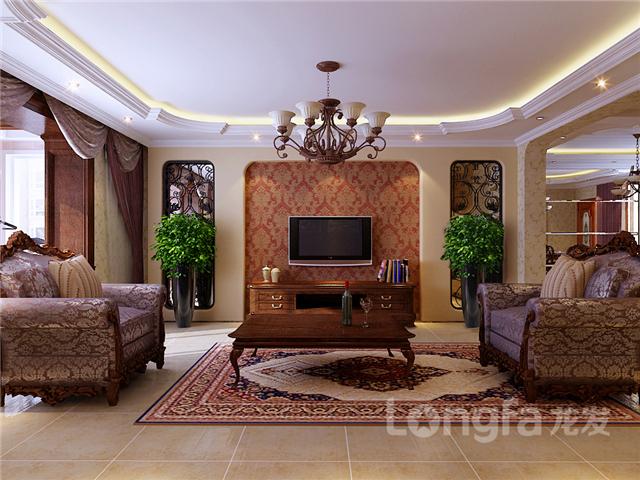 而是采用了偏古典欧式风格墙纸和卧室带有金边的门不仅从色彩上得到