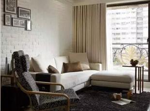 设计重点:L型的简约沙发   编辑点评:L型的简约沙发组与特色单椅,共谱一室惬意时光。,121平,现代,四居,客厅,白色,