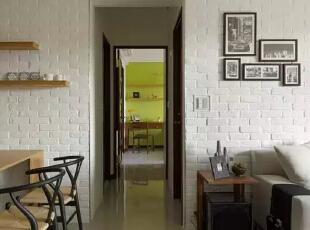 设计重点:风格延续   编辑点评:由材质的延续铺陈,让风格场域更加合谐完整。,121平,现代,四居,客厅,餐厅,白色,