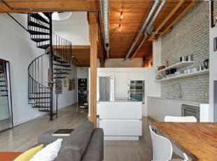 承接上下两层的就是这个个性的黑色旋转楼梯。为了避免墙面过多留白的尴尬,摆放一面全身镜,同时也满足自己臭美的小欲望。,120平,10万,混搭,复式,厨房,白色,