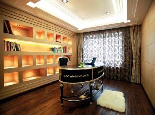 北京别墅装修设计—书房 书房 黑色的欧式书桌椅 深色的木地板 简约大方 而又不失档次 书房本是思考静下心的地方,在配上暖色的灯光 舒适,350平,42万,欧式,别墅,书房,黑白,黄色,