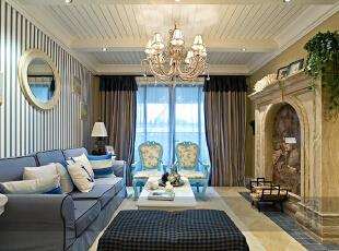 客厅空间中能用来做收纳的地方不多,设计师唯有把茶几也用上作为收纳,淡蓝色的基本色调与整个空间相映衬,收纳极大!沙发背景墙竖条纹颜色相间,有着竹林的假象,带来沙发背景虚空的错觉,最大限度拉伸视觉空间。为了营造更多的空间使用机能,把阳台空间改造成入户花园使用,形成半开放的环境,阳台、客厅两个空间相互利用。,232平,20万,地中海,四居,客厅,蓝色,