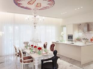 北京别墅装修设计—餐厅 餐厅是家居生活的心脏,不仅要美观,更重要的实用性,整体性。 现代简约的餐桌 现代式的吊灯 主要也是以白色系为主 时尚的吊顶 让空间更加的活跃,140平,28万,现代,复式,餐厅,红色,绿色,黑白,