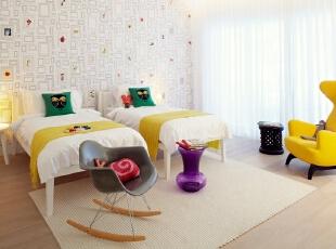 北京别墅装修设计—儿童房 儿童房 属于小孩子的天堂,小孩子是属于比较单纯 可爱的,自然我们运用了简单可爱的壁纸 用了黄色系来做为点缀 黄色的休闲沙发显得空间更加的鲜亮 主要也是以白色为主,140平,28万,现代,复式,儿童房,黄色,紫色,绿色,黑白,