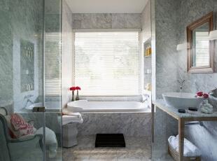 北京别墅装修设计—卫生间 卫生间 整体用的灰白色调瓷砖 给人一种简单整洁高雅的感觉 干净 卫生间偶尔的一盆小花做点缀,可以带来意想不到的好心情喔!,140平,28万,现代,复式,卫生间,黑白,红色,黄色,