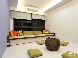 ,128平,16万,现代,三居,客厅,黑白,紫色,