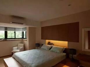 卧室继续使用木制家具。灯光点缀了清幽的气氛。,126平,17万,日式,三居,卧室,黄色,