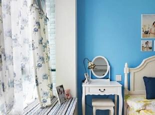 ,126平,17万,地中海,两居,卧室,白色,蓝色,