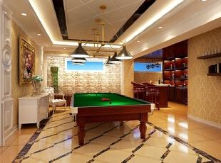 桌球作为主人最喜欢的室内运动之一,桌球室的设计尽量贴合主人的习惯与偏好。因此桌球室更偏向法式田园风格。碎花的壁纸、雕花以及仿砖型的装饰墙,无不展示别墅设计里的法式情缘。功能性的吊灯更加注重实用性,因此采用简约的金色铁艺灯具进行点缀,不破坏整体的协调性。,515平,10万,混搭,别墅,客厅,黄色,