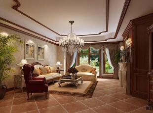 红磡领世郡 美式优雅格调别墅设计-客厅 整体用棕色的木质家具与包边,柔和宁静的线条、轮廓、色彩都显示出大气不张扬的静美,贵气加大气而又不失自在与随意,体现居所主人的优雅、淡泊的生活品味。,360平,60万,美式,别墅,