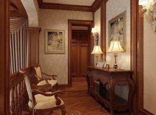 红磡领世郡 美式优雅格调别墅设计-休闲厅 走廊尽头的这个休闲厅,延续着整栋别墅固有的原木色,造型优雅的桌椅,搭配经典的画框,呈现出不俗的美感。,360平,60万,美式,别墅,