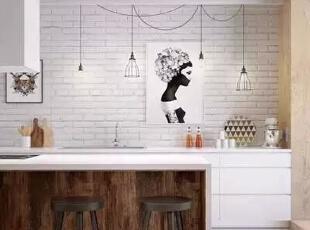 设计重点:餐桌设计   编辑点评:隆长型餐桌有延伸空间视觉效果的作用。大吊灯同大面积窗户一起提亮空间,凸显空间格调,提高空间质感。,170平,21万,宜家,四居,