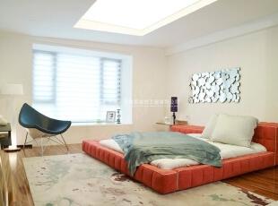 现代简约风格卧室一体化装修效果图欣赏(1)    选用榻榻米的床,让整个空间显得时尚而不单调。,40平,2万,现代,三居,卧室,