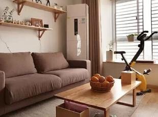 整个空间利用质朴的木质材料渲染一种自然和安宁的氛围,诠释了一种清新自然,小资安宁的生活本态。,98平,11万,日式,三居,客厅,原木色,