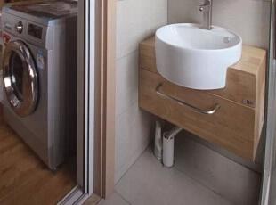 小小的盥洗间,为节省空间也是做了独特的细节处理。,98平,11万,日式,三居,卫生间,原木色,