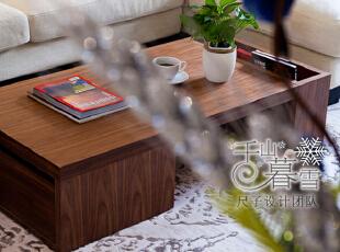 布艺的沙发,柔软的地毯,让整个空间呈现出大地的暖色,一杯拿铁,一本杂志,悠闲地盘腿坐在沙发上或地毯上,惬意而散漫的时光静悄悄从指间划过。,130平,50万,现代,四居,客厅,白色,