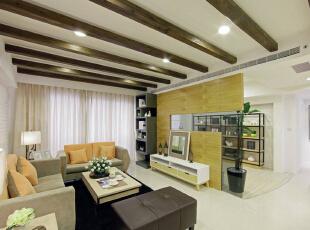 以实木条打造乡村木屋意象,在北欧里注入温暖质朴风味。,89平,11万,欧式,三居,客厅,