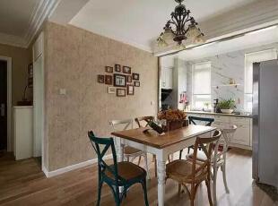 厨房也是开放式的哦,南北通透,这套房子采光极其好。,262平,32万,美式,四居,餐厅,