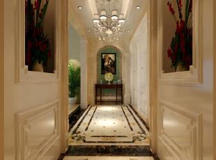 造型简洁优雅的壁炉,华丽璀璨的水晶灯和罗马古柱等是点睛之笔。,584平,248万,欧式,别墅,