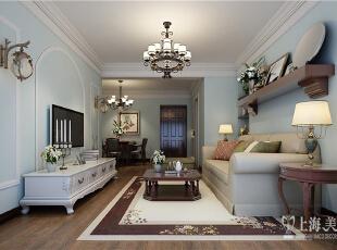 郑州雅居乐国际花园95平方两室两厅美式乡村风格装修效果图--客餐厅全景,摒弃一切烦琐和奢华,去掉零碎的空间划分,去掉堆砌的颜色和摆设,去掉繁复设计的家具,但整个空间看起来,却又简而不凡。,95平,8万,美式,两居,