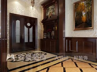 简约欧式风格沿袭古典欧式风格的主元素,融入了现代的生活元素。欧式的居室有的不只是豪华大气,更多的是惬意和浪漫。通过完美的典线,精益求精的细节处理,带给家人数不尽的舒服触感。,186平,8万,欧式,四居,玄关,黄色,红色,