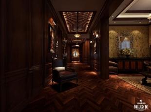 长廊:房子的墙面都用柚木夹板制成的护墙板包裹起来,比起普通的粉刷墙面给人更加温润醇厚的触感。厚实的夹板使得镶嵌其中的是木雕花装饰更有立体感、更加生动丰满。大量的雕花装饰都是请专业的师傅雕刻出来的,并且经过了做旧漆面处理,愈发显露出老上海的神秘和优雅,与深色的地板配在一起让空间更显沉稳、低调。,450平,20万,现代,一居,