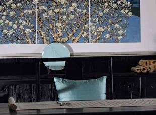 这些简练硬朗的直线条的家具与大体块的空间布局在纵向和横向上相互穿插,构架风格统一的硬质空间,400平,50万,现代,别墅,书房,